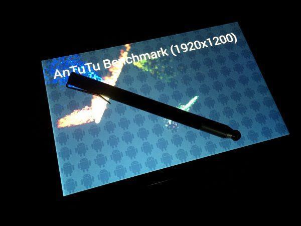 ベンチマーク測定中の写真